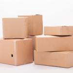 卸会社から商品を注文すると一箱あたり何円分くらいの商品を詰めるのか?